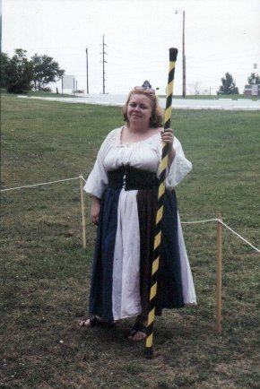 Lady Aislinn Chaomhanach marshalling at Champion's List in October of A.S. XXXV (2000)